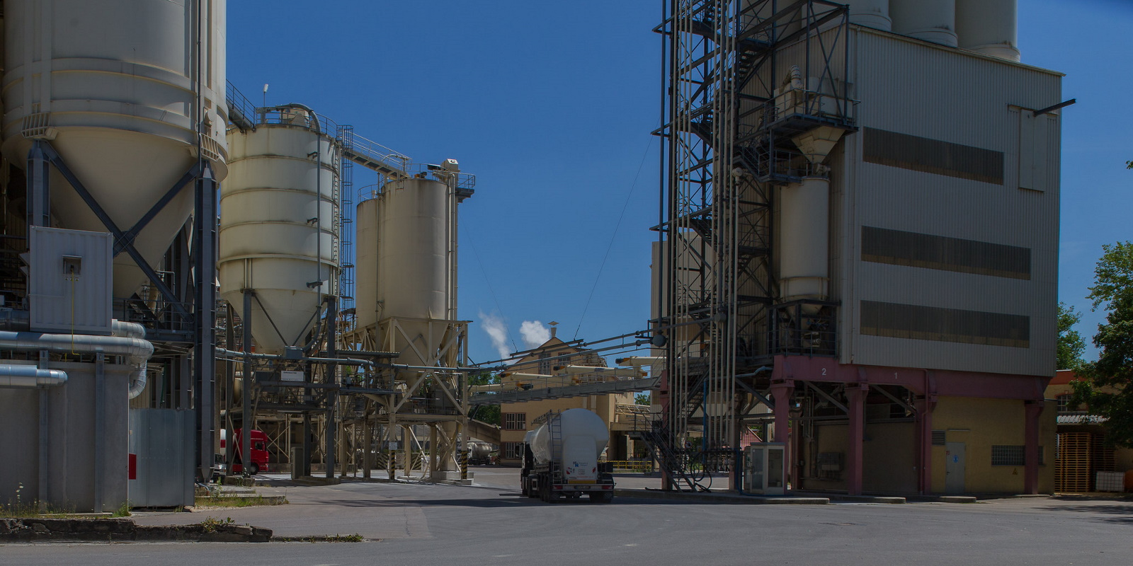Scanclimber serving one of Germany's largest lime plants